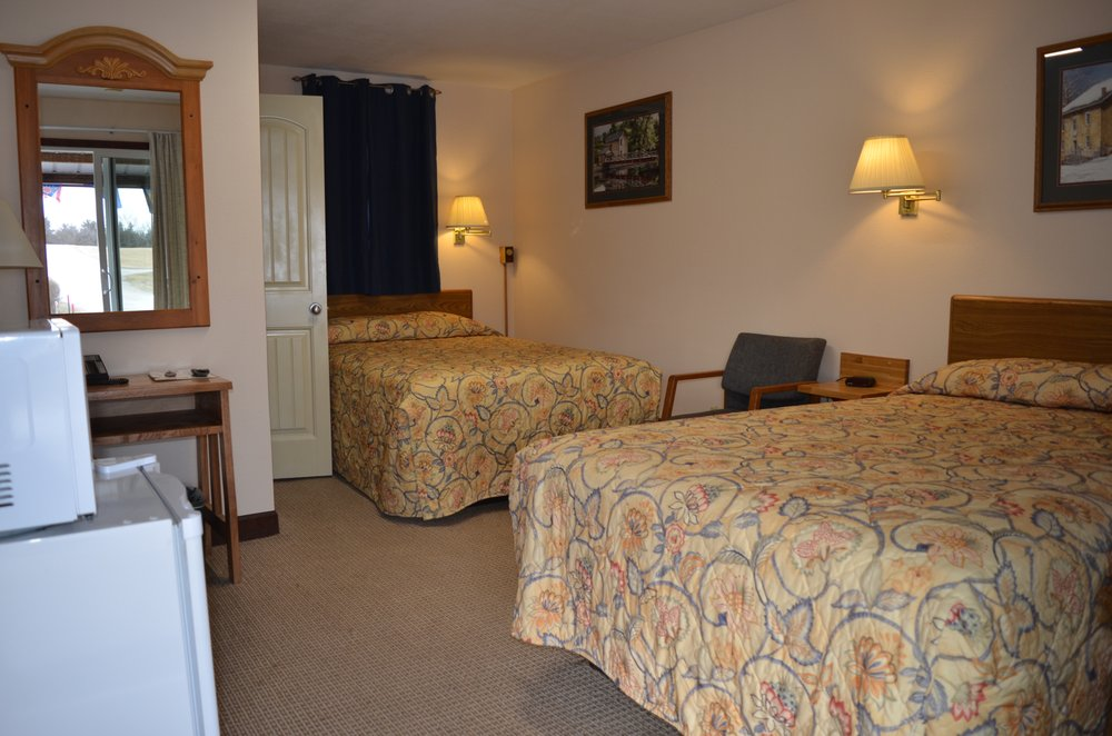Little River Inn Motel & Guest House: 708 W 1st St, Leon, IA