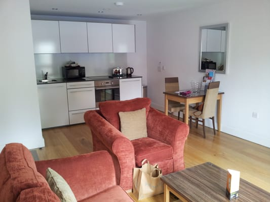 Premier Apartments Bristol Cabot Circus Guest Houses 7a