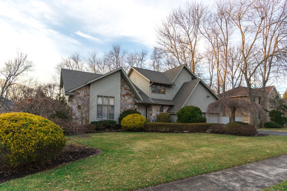 Risa Corson - Coldwell Banker Residential Brokerage: 15 Ver Valen St, Closter, NJ