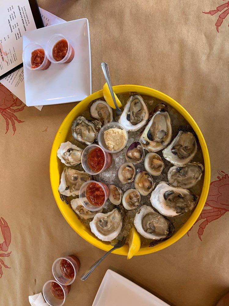 Crabbys Oyster Bar: 1868 NE Jensen Beach Blvd, Jensen Beach, FL