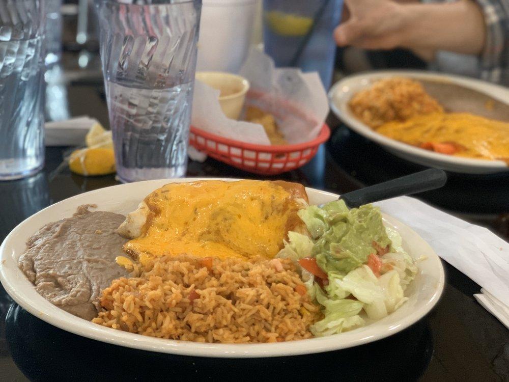 El Herradero de Jalisco: 224 W Main St, Uvalde, TX