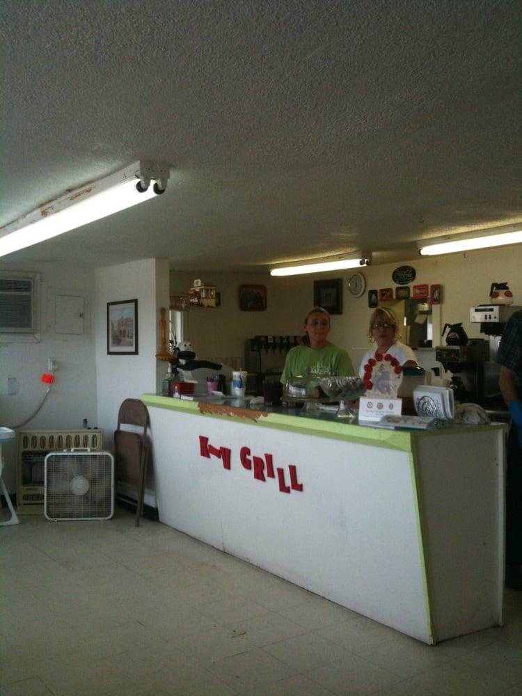 KV Grill: 31 N Oak, Kellyville, OK