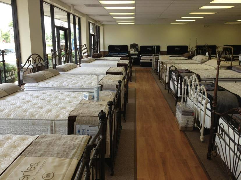 Mattress Warehouse: 45591 Dulles Eastern Plaza, Sterling, VA