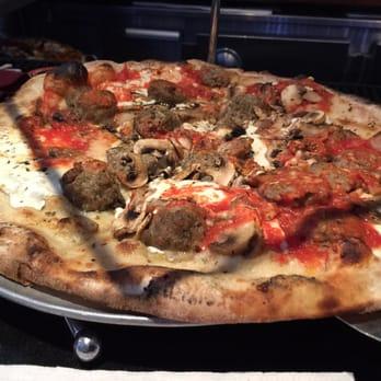 Grimaldi S Pizzeria 114 Photos 258 Reviews Pizza 980 Franklin Ave Garden City Ny
