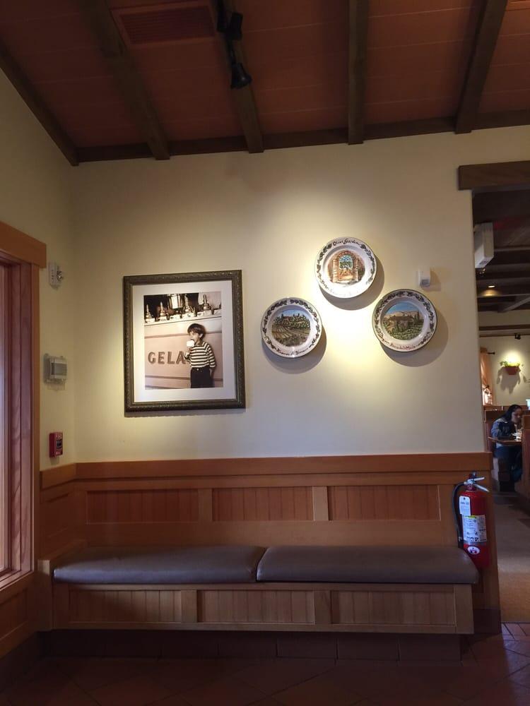 Photo Of Olive Garden Italian Restaurant Bridgewater Nj United States Waiting Area