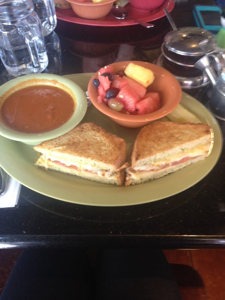 Grilled Cheese With Tomato Soup And Fruit Yelp