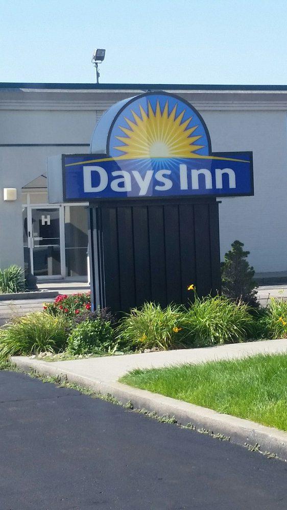 Days Inn by Wyndham Grand Island I-80: 7800 South Hwy 281, Grand Island, NE