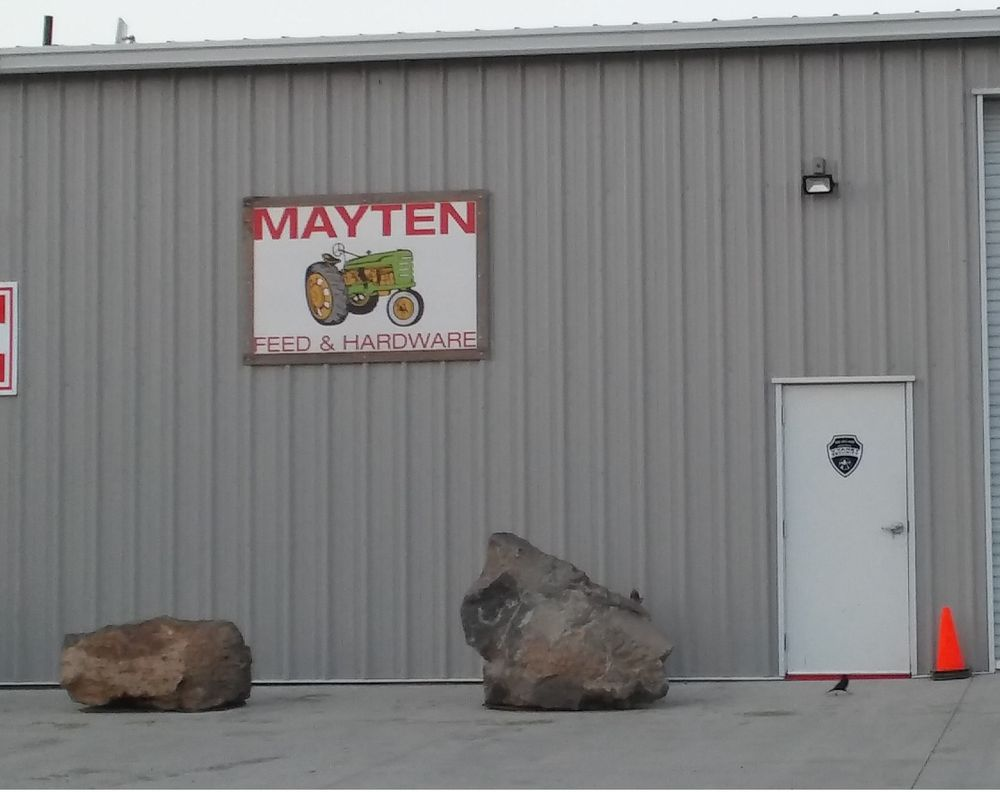 Mayten Store: 7126 County Hwy A12, Montague, CA