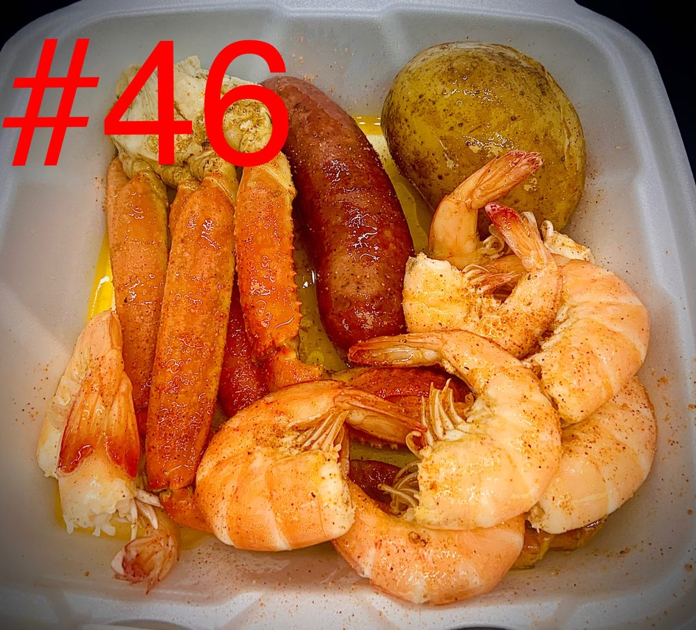Twin City Seafood: 3922 N Twin City Hwy, Nederland, TX