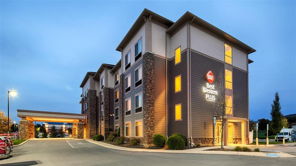 Best Western Plus University Park Inn & Suites: 115 Premiere Dr, State College, PA