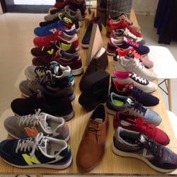 Babila 12 photos shoe shops calle regina 9 for Sofas en sevilla liquidacion