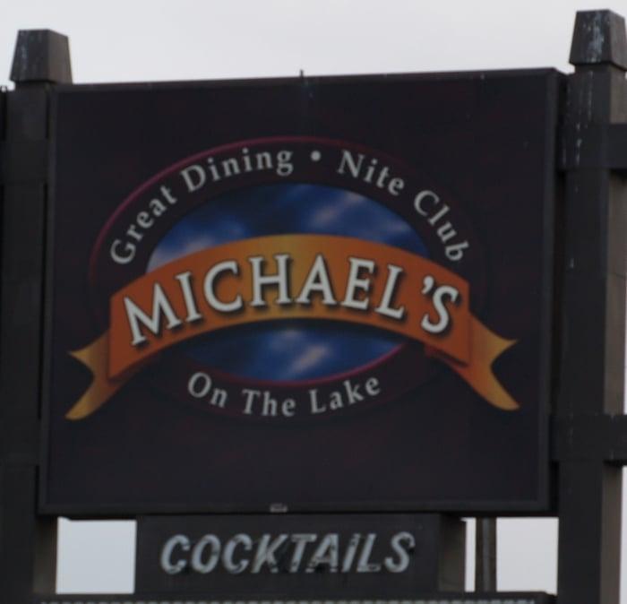 Michaels on the Lake: 910 W Broadway Ave, Moses Lake, WA
