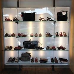 Collection Chaussures Le Dépôt Pointe Claire