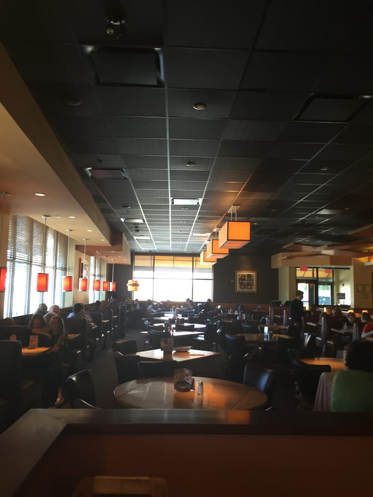 Wellesley California Pizza Kitchen -- Linden Square : 183 Linden ...