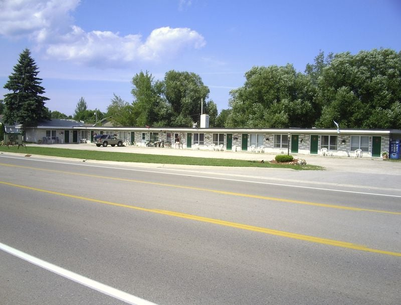 Captains Quarters Motel Rogers City Mi