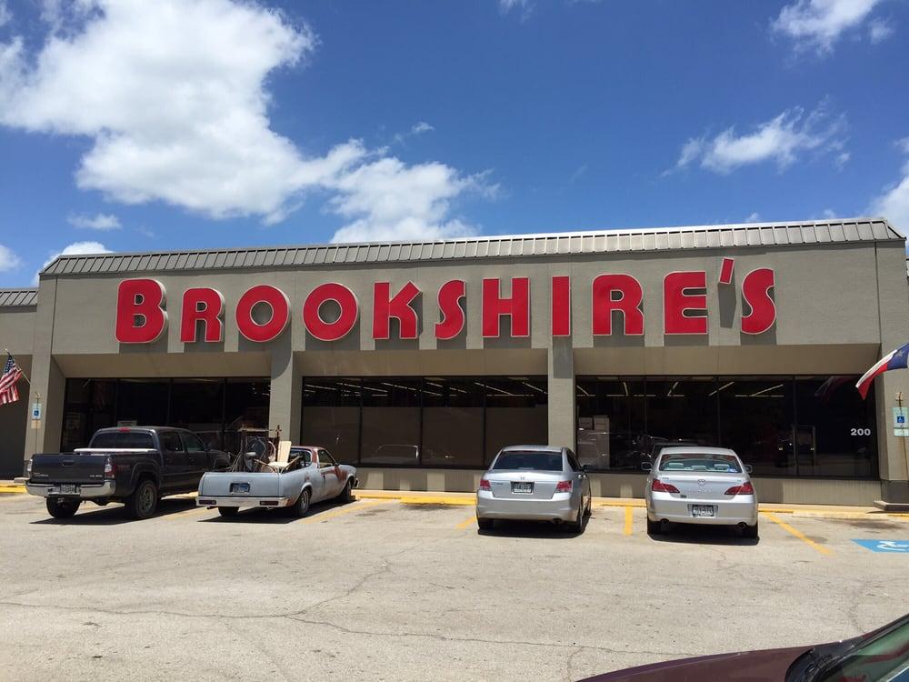 Brookshire's: 200 W Henderson St, Overton, TX