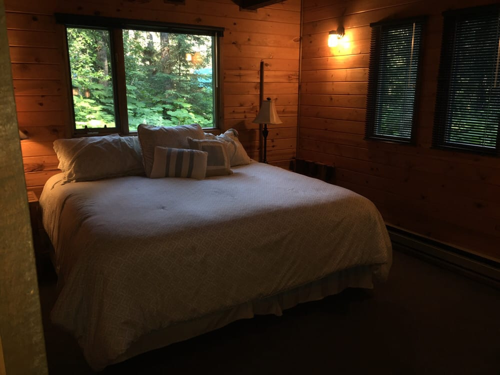 Adobe Well Cabins: 12672 Old Exit Glacier Rd, Seward, AK