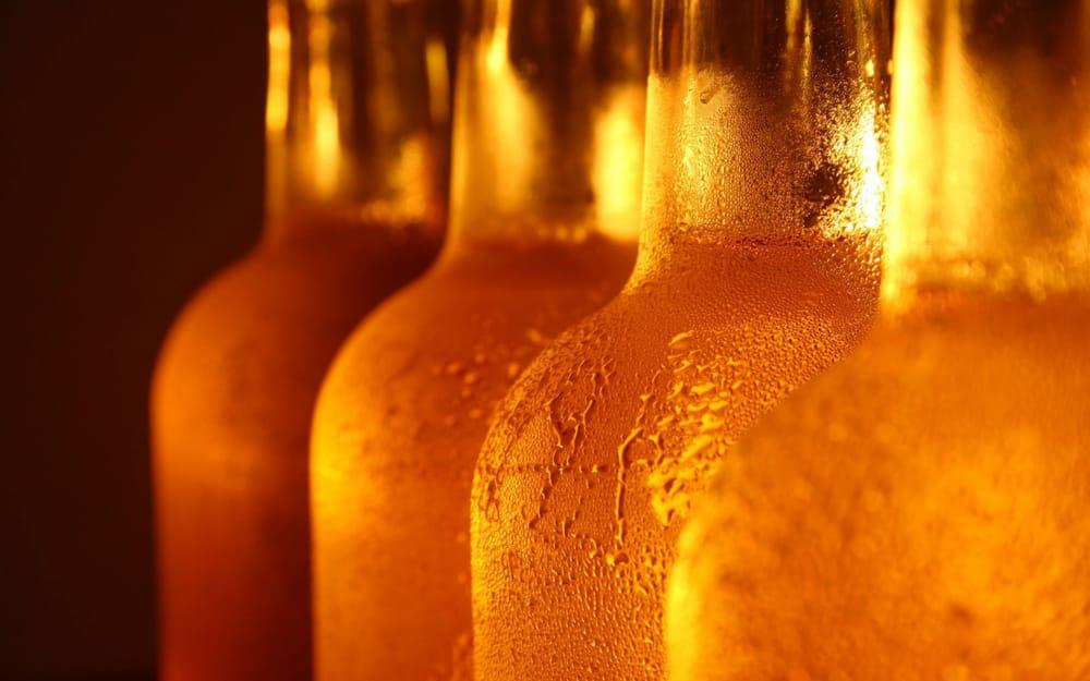 Buckshots Bar & Grill: 505 Hubbard Ave, Butterfield, MN