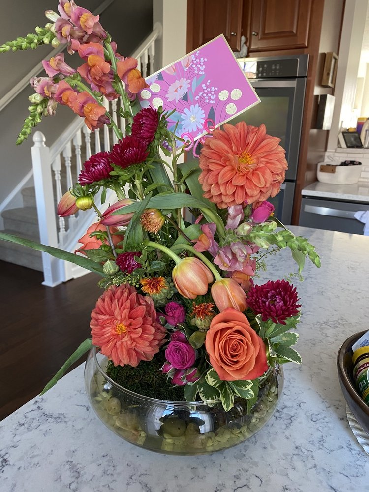 Jen's Floral Design: 11849 Traymoore Dr, Fishers, IN