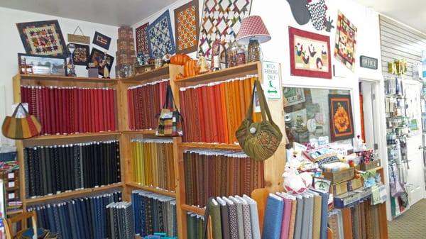 Speckled Hen Quilts 25455 NE Boones Ferry Rd Aurora, OR Blankets ... : speckled hen quilt shop - Adamdwight.com