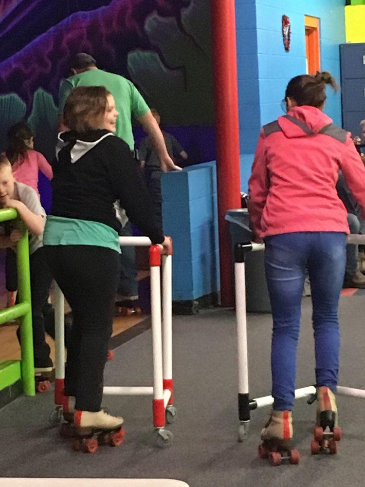 Hot Skates: 241 Casco Dr, Avon, IN