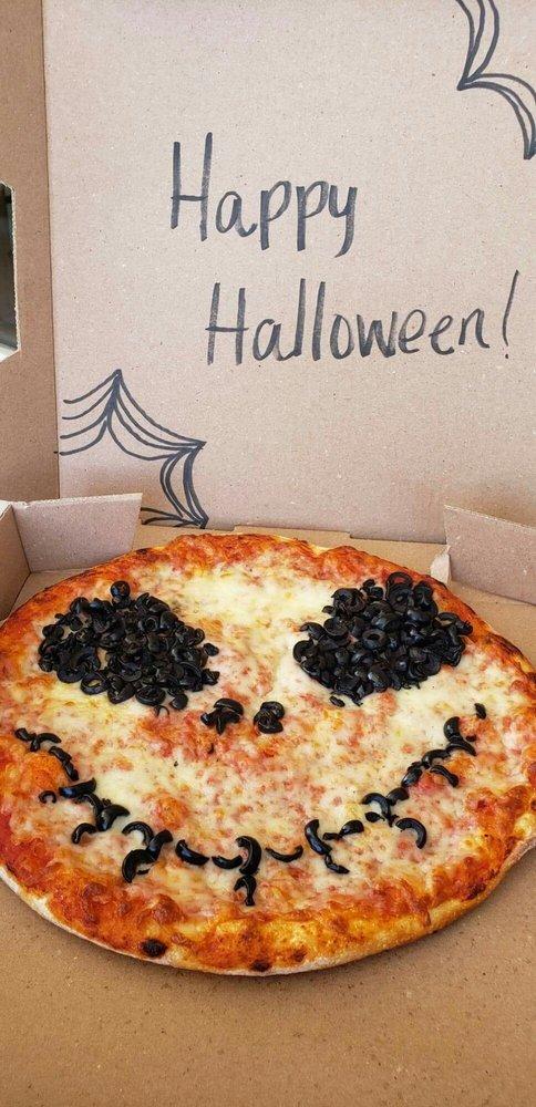 Goombas Pizzeria: 4522 Fredericksburg Rd, San Antonio, TX