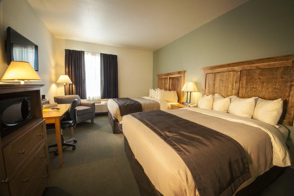Junction Inn Suites & Conference Center: 2681 County Rd 70, Babbitt, MN