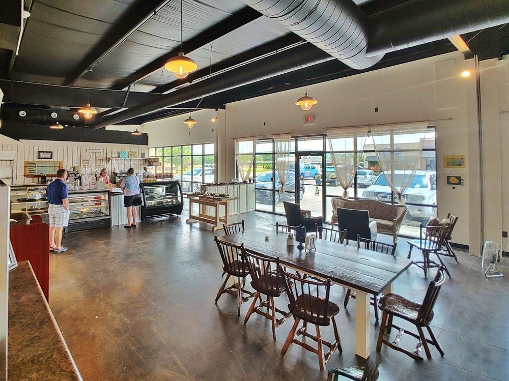 Nellie B's Bakery: 2421 N Center St, Fayetteville, AR