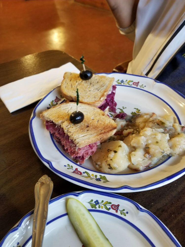 Gazzolo's Sausage Co Restaurant & Delicatessen: 132 E Highland Ave, San Bernardino, CA