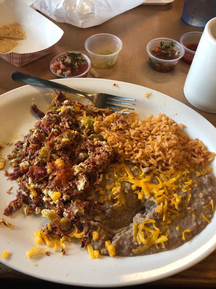 Yilberto's Mexican food: 55050 California 371, Anza, CA