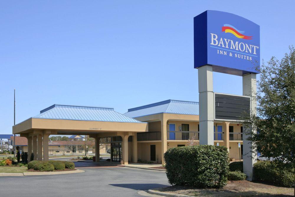 Baymont by Wyndham Greenville: 3439 S. Memorial Dr., Greenville, NC