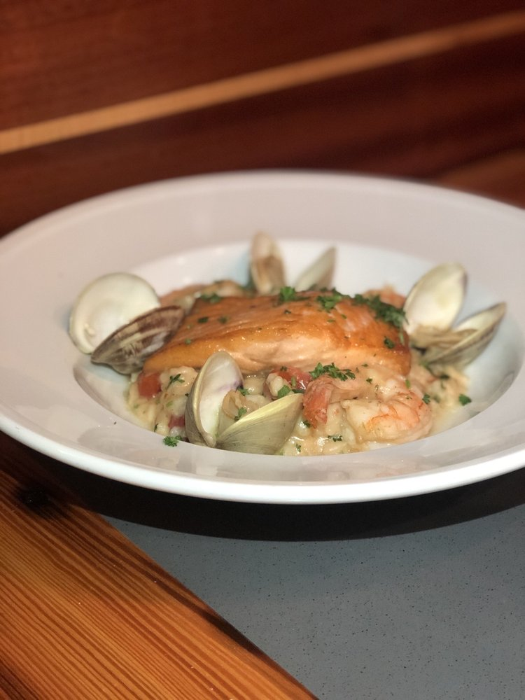 Brew Fish Bar and Eatery: 210 Spring St, Marion, MA
