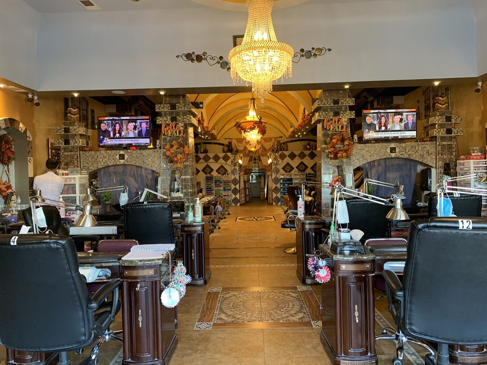 Vogue Nails & Spa: 5815 82nd St, Lubbock, TX