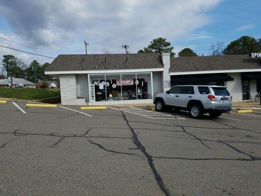 The Mixing Bowl Bakery 8540 Patterson Ave Richmond, VA Bakeries ...