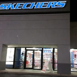 Skechers Houston TX locations, hours, phone number, map and driving directions.