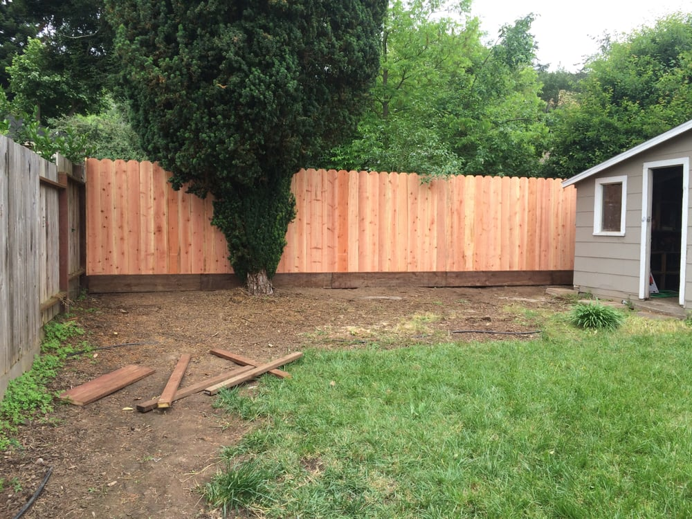 Redwood Dog Ear Fence With A 1 Kicker Pressure Treated Yelp