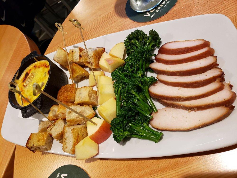 WildFin American Grill - Beaverton: 2725 SW Cedar Hills Blvd, Beaverton, OR