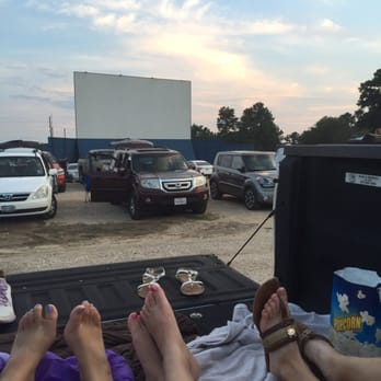 the showboat drivein 112 photos amp 160 reviews drive