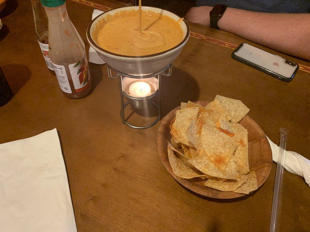 El Carlos Mexican Restaurant: 17679 Mahoning Ave, Lake Milton, OH