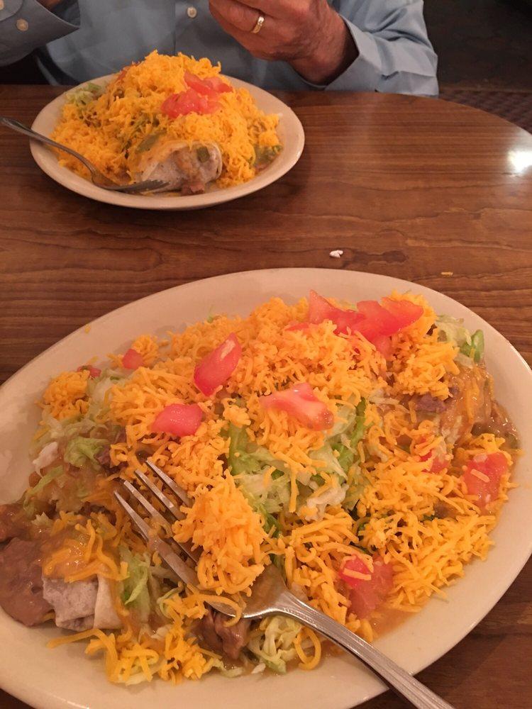 Ochoa's Restaurant: 512 E Cottonwood Ln, Casa Grande, AZ
