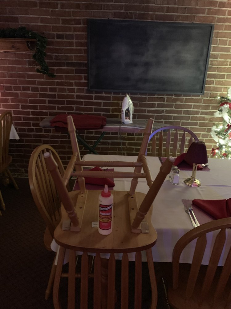City Seafood and Steakhouse: 28 S D St, Mahanoy City, PA