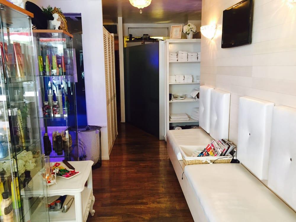 Sundaze & Portofino Tanning And Airbrush Salon: 560 3rd Ave, New York, NY