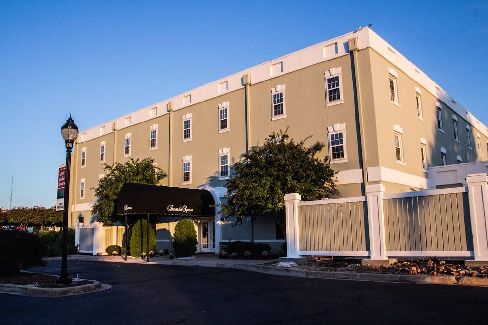 Inn On the Square: 104 Court Ave E, Greenwood, SC