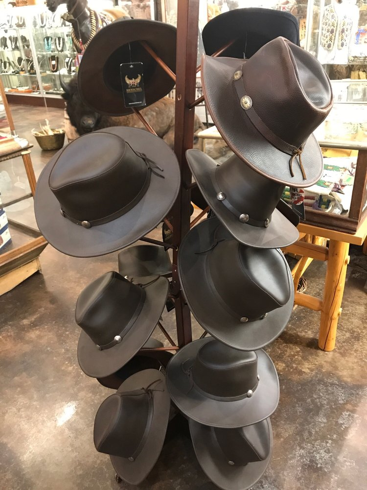 Custer Battlefield Trading Post: 347 Hwy 212, Crow Agency, MT