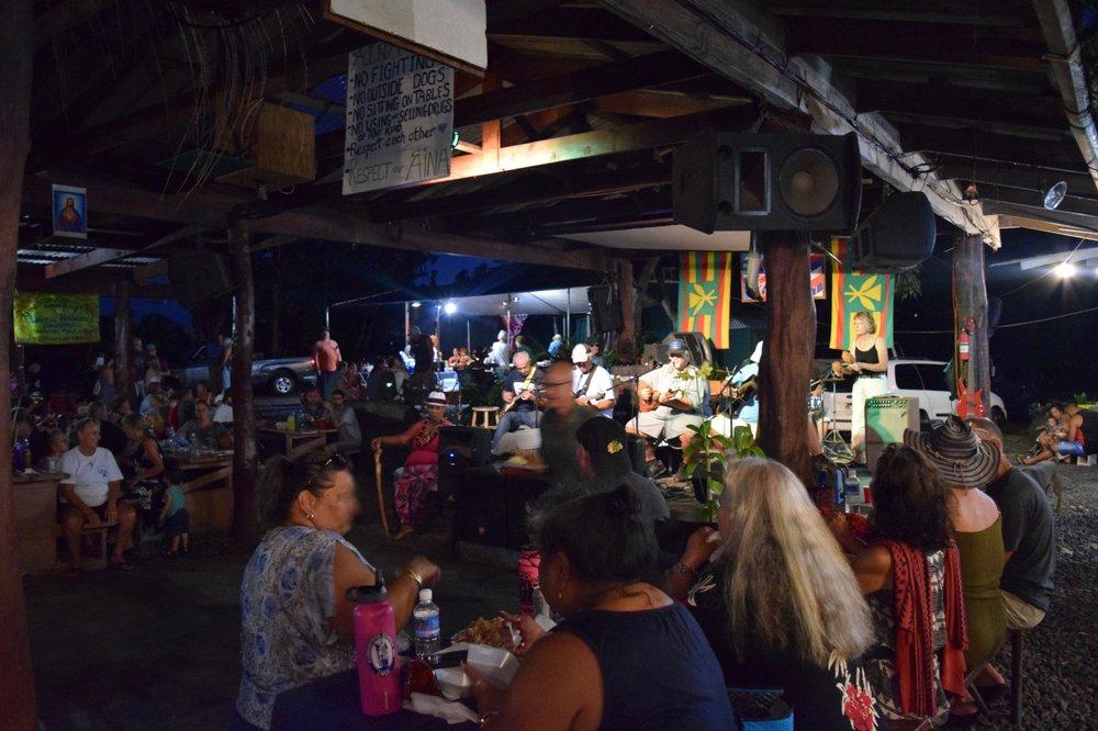Uncle Robert's Farmers Market: Kalapana Kapoho Beach Rd, Pahoa, HI