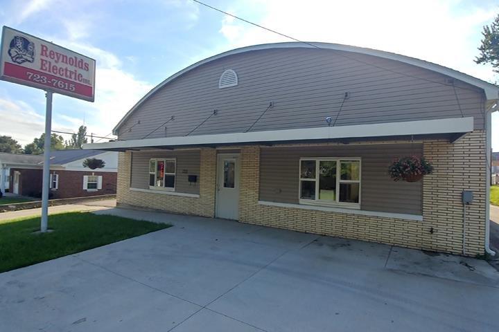 Reynolds Electric Service: 722 N Madison, Lancaster, WI
