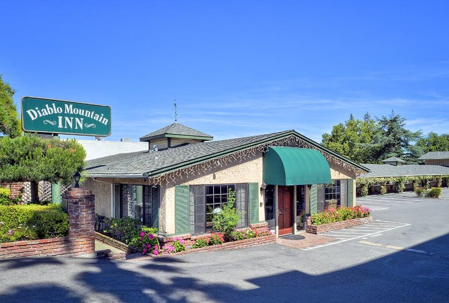 Diablo Mountain Inn: 2079 Mt Diablo Blvd, Walnut Creek, CA