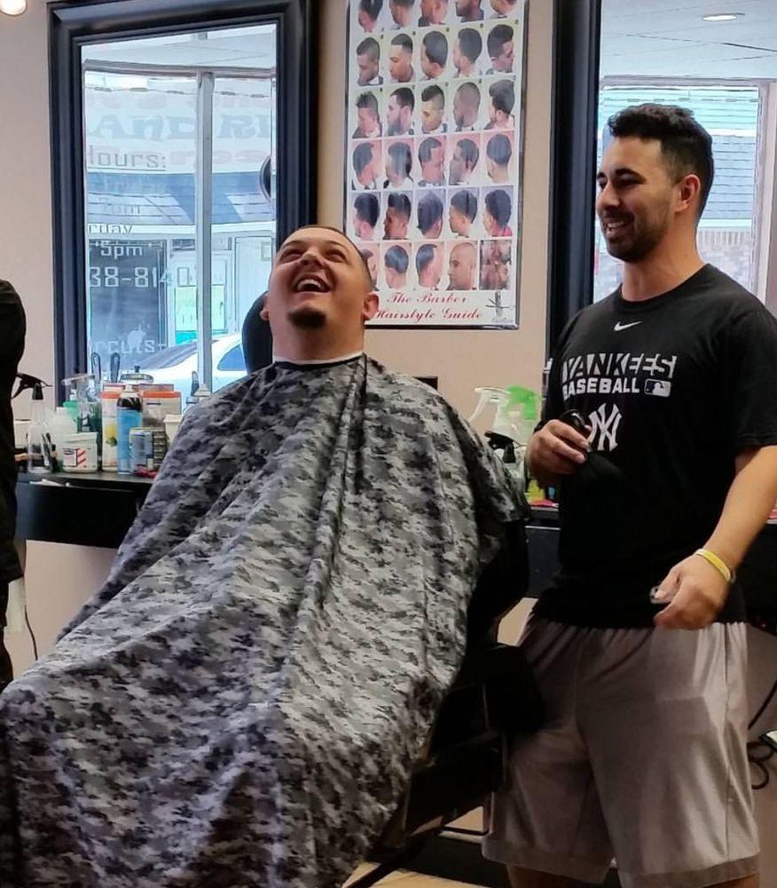 It's Showtime Barbershop: 16 Main St, Butler, NJ