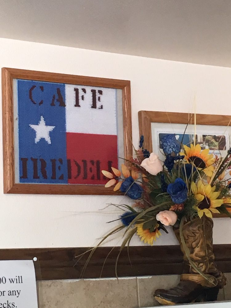 Iredell Cafe & Gift Shop: 1 Iredell, Iredell, TX