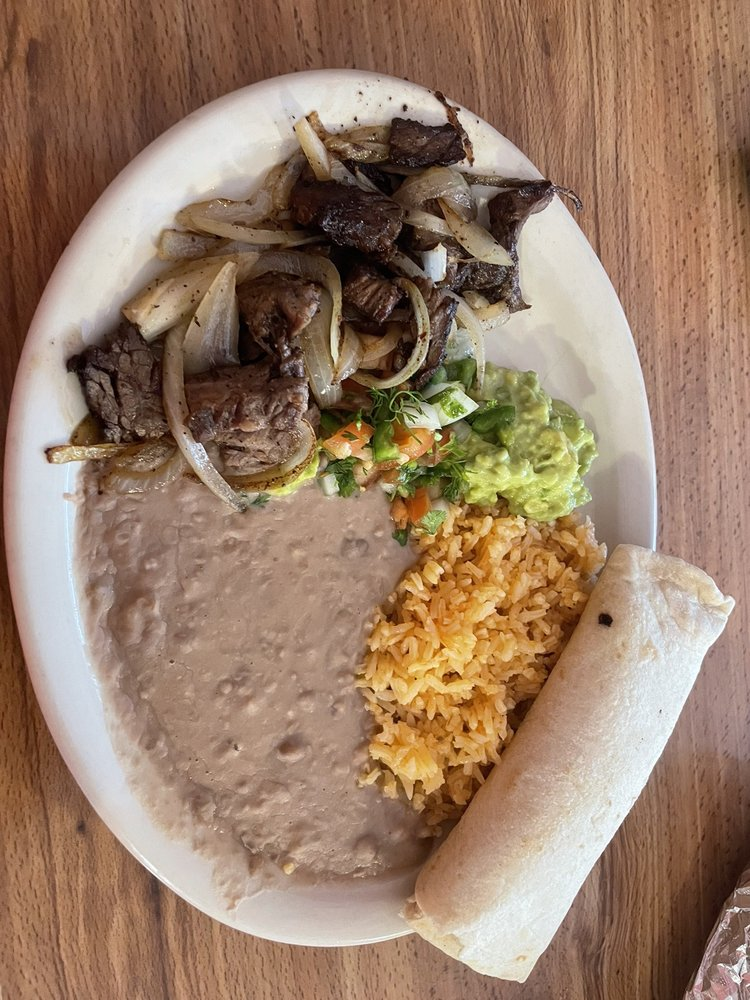 Leticias Mexican Restaurant: 107 E Post Office St, Weimar, TX